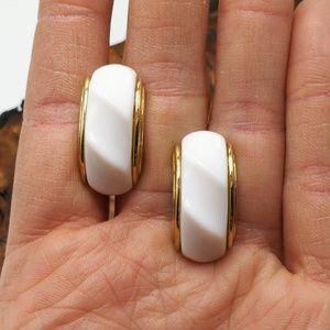 Vintage white acrylic twist Crest hoop mini dainty